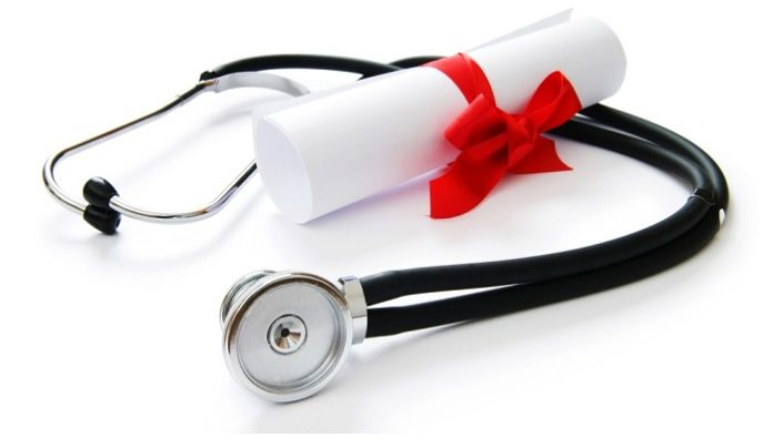 Why You Should Consider a Graduate Medical Degree