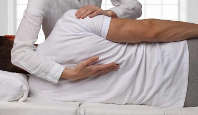 Hurt in a Wreck? 7 Ways a Chiropractor Can Help