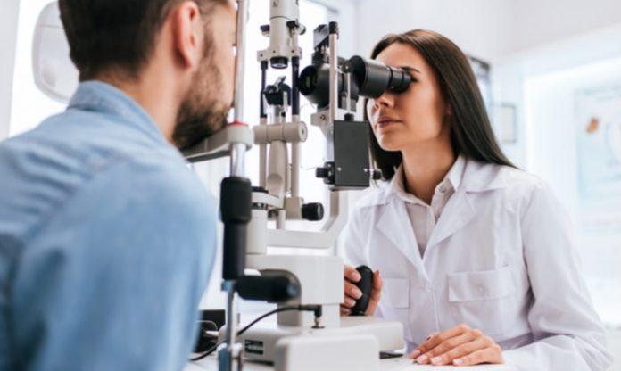 Is optometry a promising career in 2021-2025?