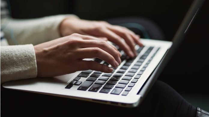 Tips On How To Become A CER Writer And Benefit