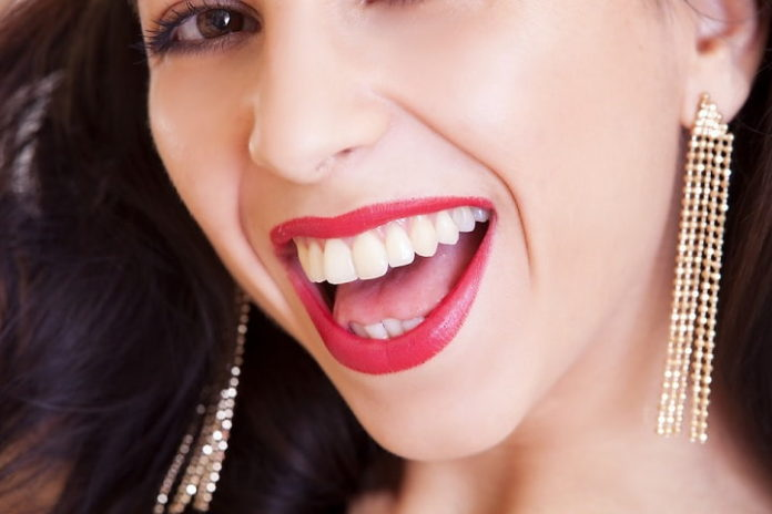 Top Dental Care Tips From The Pros To Have Healthy Teeth