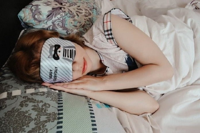 How To Fall Asleep Faster And Sleep Better With A CPAP Mask